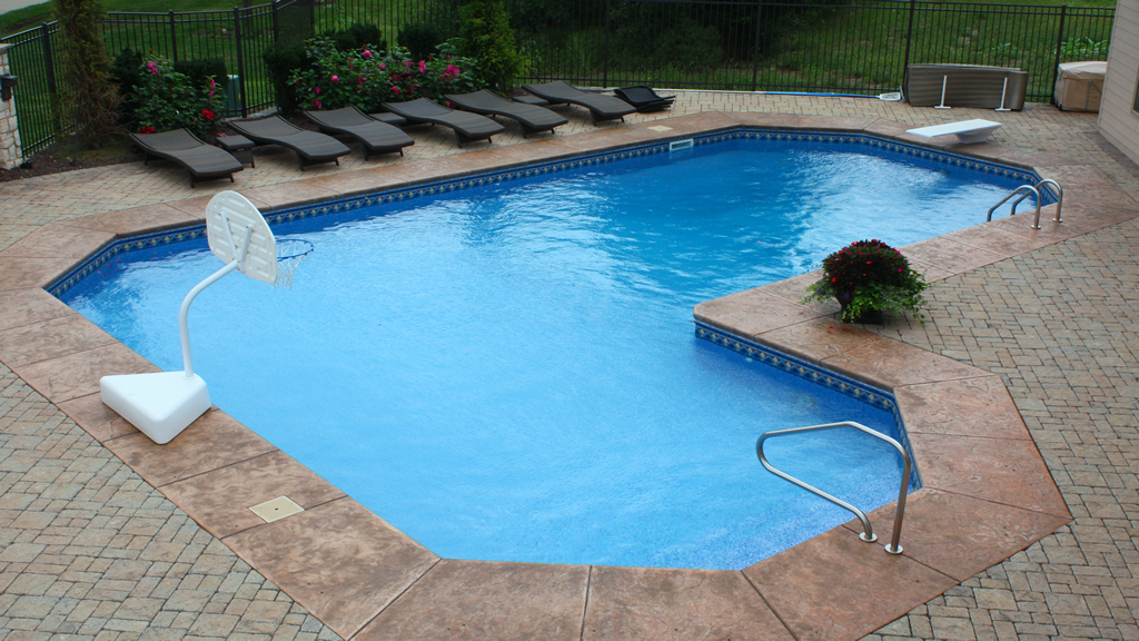 Grecian L Shape Bell Pool And Patio